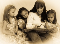 Bobbie reading to her grandchildren